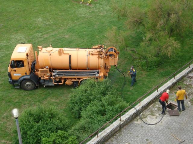 Začepila se kanalizacija na Katurama