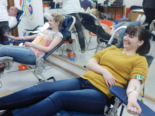 Na akciji dobrovoljnog darivanja krvi u Labinu prikupljeno 48 doza krvi - Erika Mohorović i Antonia Zahtila prvi put darivale krv