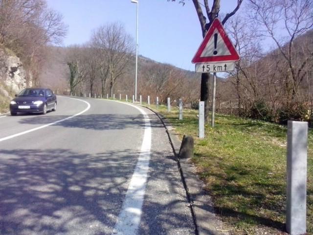 Postavljanje odbojne ograde uz državnu cestu u Raši