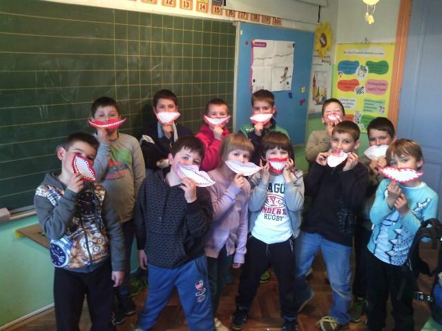 """OŠ""""Ivo Lola Ribar"""" nizom aktivnosti intenzivno obilježila Svjetski dan oralnog zdravlja kroz projekt  `Zaštita zubi`"""