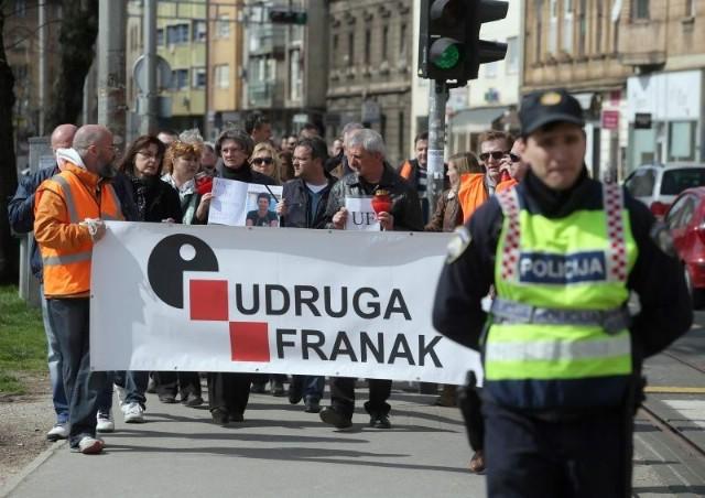 Za Labinjane besplatan autobus za odlazak na veliki prosvjed Udruge Franak u Zagrebu