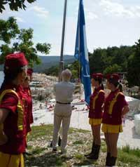 U Rapcu  podignute Plave zastave