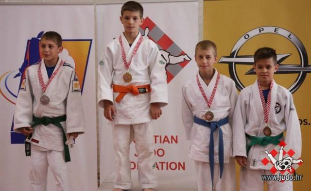 Petar Dundara iz JK Ippon Labin brončani u svojoj kategoriji na prvenstvu Hrvatske u Samoboru
