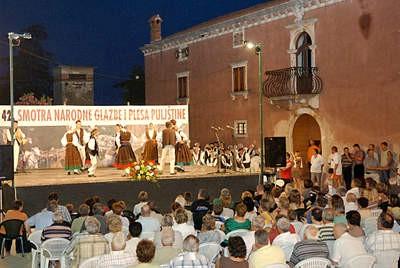 Labinjani sudjelovali na 42. smotri narodne glazbe i plesa u Barbanu