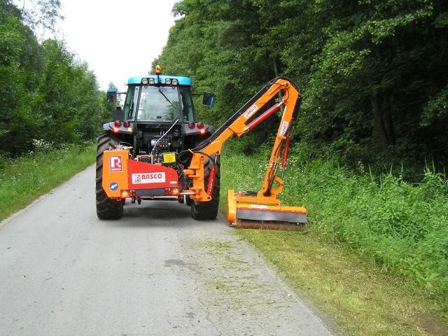 Započela košnja trave i uklanjanje granja uz nerazvrstane ceste