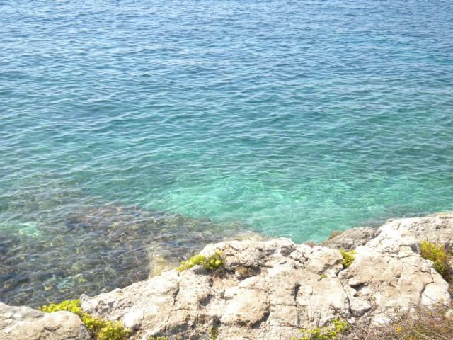 U cijeloj Istri, pa tako i na plominskoj Copacabani, more izvrsne kakvoće za kupanje