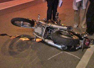 Nijemac teško ozlijeđen u izlijetanju motora s ceste kod Labina