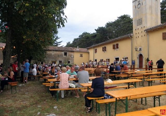 Fešta vina i turizma u Svetom Martinu jača od kiše