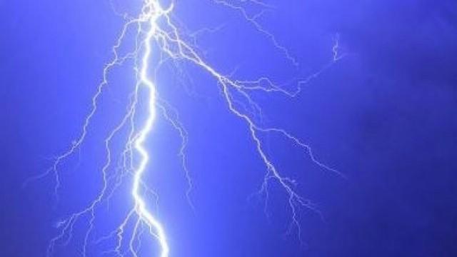 Zbog udara groma cijela Istra jutros bez struje