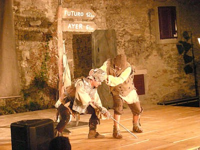 """U Labinu gostovali sveveremenski junaci predstave """"Don Quijote"""" zagrebačkog kazališta Merlin"""