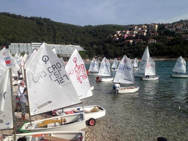 Počelo Prvenstvo Hrvatske u jedrenju za kadete
