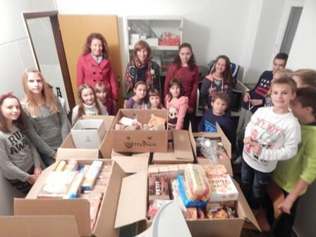 """Učenici OŠ """"I.L.Ribar"""" prikupili više od 130 kg pomoći za izbjeglice"""