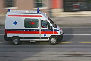 Mladić i djevojka iz Kršana teško ozlijeđeni u prometnoj nesreći u Karlovcu