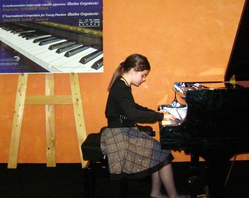 U nedjelju u Circolu mlade glazbenice Roberta Prelčec i  Anna Tereza Rabe