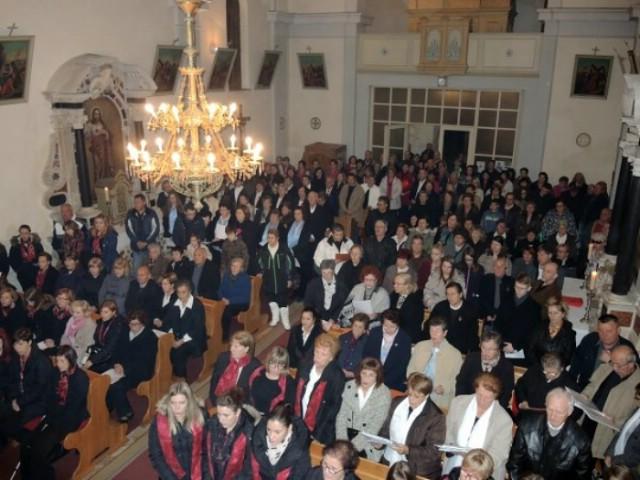 U Čepiću održana smotra župnih zborova labinskog i vodnjanskog dekanata