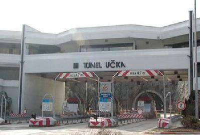 Ozlijeđena na naplatnoj kućici tunela Učka, kamion joj zakačio ruku