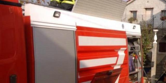 Pićan: izgorila garaža i automobil - 27-godišnjak lakše ozlijeđen