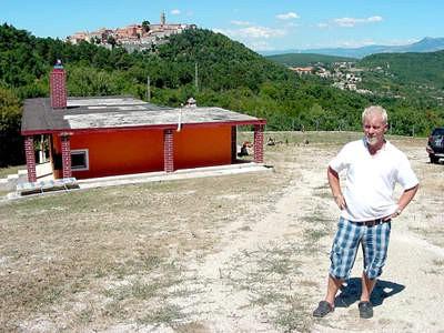 Labin: Kućica bez struje, ali i bez dozvole