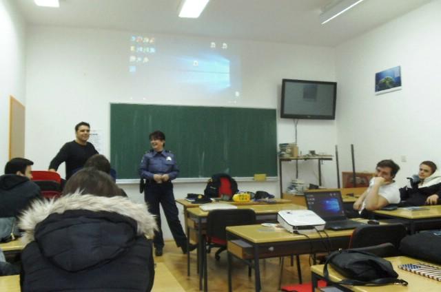 PU Istarska: Predavanje polaznicima labinske auto škole
