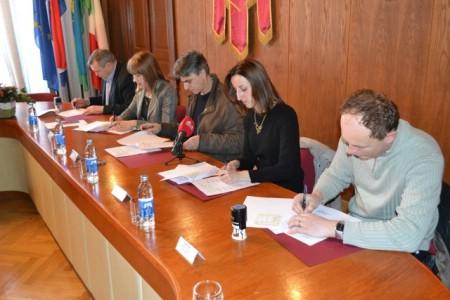 Potpisan Sporazum o sufinanciranju 12-satnog tima T2 Hitne medicinske pomoći Labin