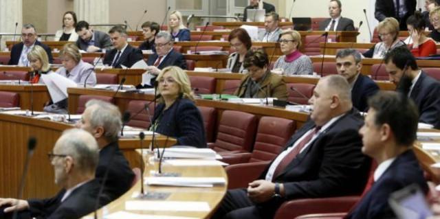 Ugovor o najmu stana sklopili i labinski saborski zastupnici Tulio Demetlika i Nansi Tireli