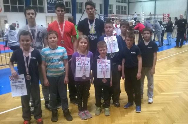 Na kickboxing Prvenstvu Hrvatske u pointfightingu i fullcontactu za kadete i seniore 8 medalja Labinjanima - Marino Faraguna prvak