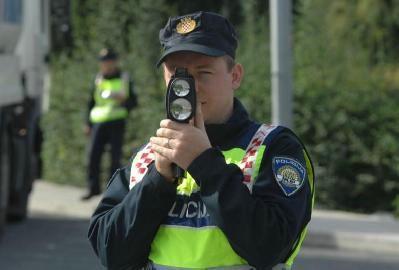 Danas na područu Istarske županije kontrola brzine od 12 do 16 sati - kazne i do 15 tisuća kuna