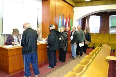 Jučer u Gradu Labinu započela podjela bonova umirovljenicima povodom uskršnjih blagdana