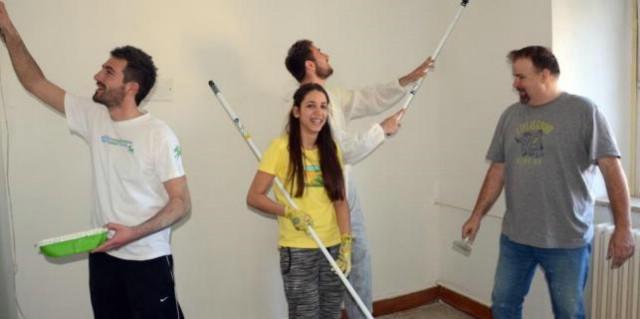 Klapa Labin sudjelovala u humanitarnoj akciji ličenja šest soba u OB Pula