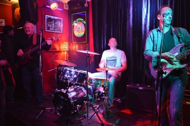 Rock Trio 111 za kraj koncertne sezone u labinskom ROCK CAFFE-U