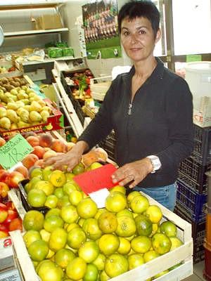 Đir po labinskoj tržnici: prve mandarine po 14 kuna