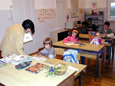 Koromačno, najmanju školu  u Istri pohađaju samo: Martin, Katarina i Luka