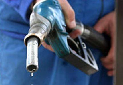 INA: nakon ponoći veliko sniženje benzina