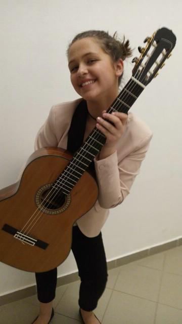 Steli Dermit prvi mjesto u Italiji na natjecanju klasičnoj gitari  `Enrico Mercatali`