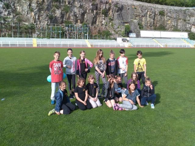 Sedam odličja mladim labinskim atletičarima AK Albona na natjecanju Erste Plava liga na Kantridi