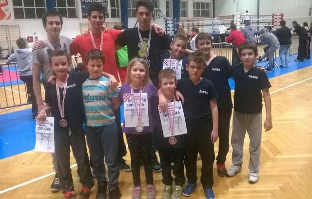 Labinjanima 17 odličja na Međunarodnom kickboxing kupu `Alpe-Adria Open 2016` u Puli