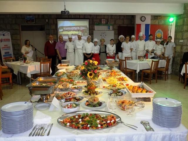 Održan GASTRO DOMJENAK - praktični dio završnog ispita za kuhare u labinskoj Srednjoj školi