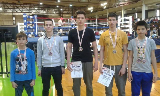 Labinjani osvojili 6 odličja na PH u kicklightu za starije kadete u Benkovcu