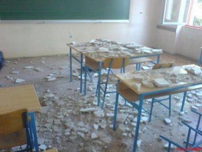 Učenici labinske srednje škole nakon urušavanja stropa odbili pohađati nastavu