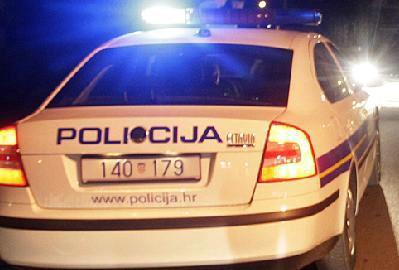 Privedena dvojica dilera iz Labina: Pred policijom odbacili paketiće s drogom i bježali