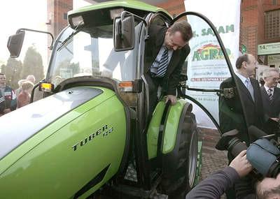 Pankretić isprobao labinski traktor