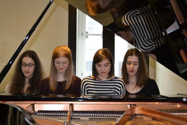 [NAJAVA] koncert Klasično ljeto srijeda s Nicole Vidak `Koncert klavira šesteroručno`