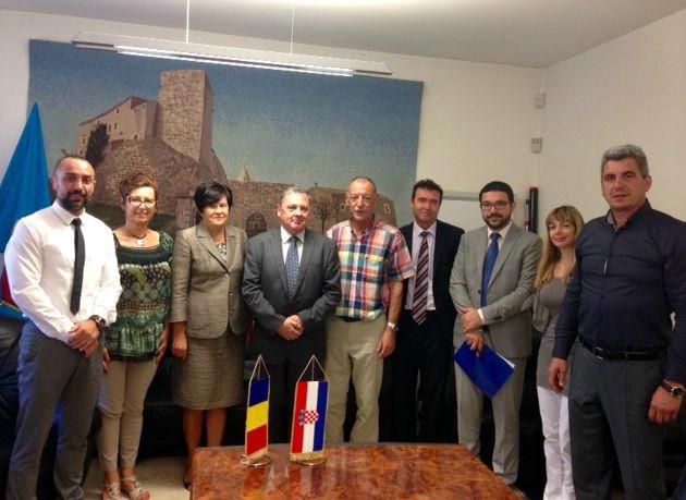 Potpisan Sporazum između predstavnika Općine Kršan i Rumunjske o 451.600,00 kuna za sanaciju škole u Šušnjevici