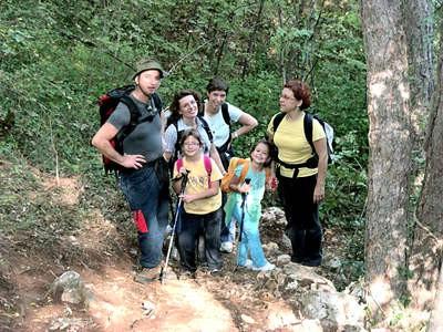 Labinjani obilježili Međunarodni dan pješačenja pohodom na Skitaču (Galerija fotografija)