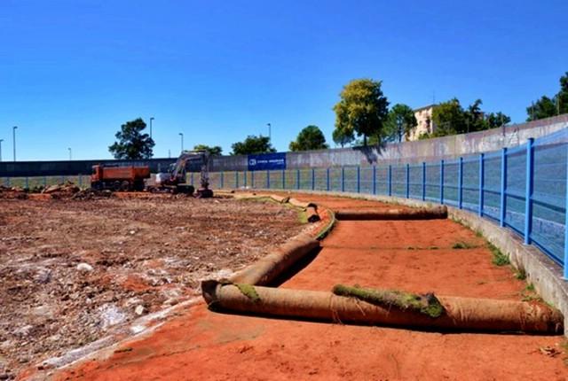 Započela rekonstrukcija atletske staze na labinskom gradskom stadionu