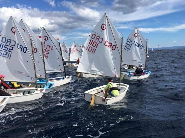 Unatoč lošem vremenu održana Rabačka regata 2016.
