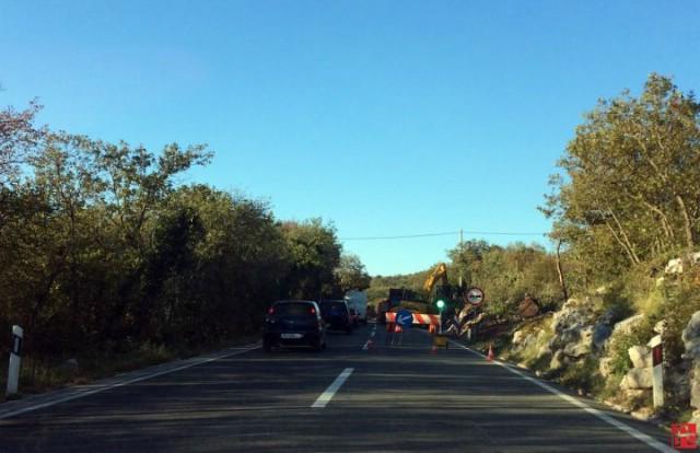 Radovi na prometnici u Stepčićima