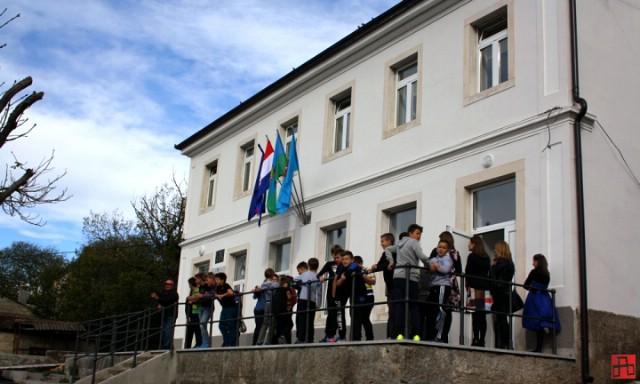 Obnovljena škola u Šušnjevici osnova suradnje Hrvatske i Rumunjske