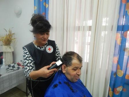 Crveni križ Labin: Nova frizura i manikura za štićenike Doma za odrasle osobe u Svetoj Nedelji