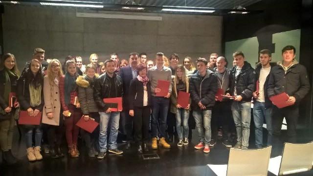 Grad Labin: Potpisani ugovori s novim gradskim stipendistima